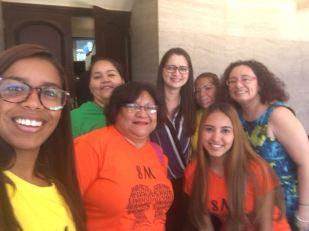Un grupo de mujeres estuvieron en el Congreso Nacional demandando la introducción de la iniciativa de Ley de Casas Refugio.
