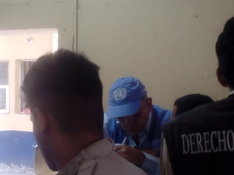 Defensores y un representante de OACNUD documentaron la detención y las violaciones a Derechos Humanos por parte de la policía.